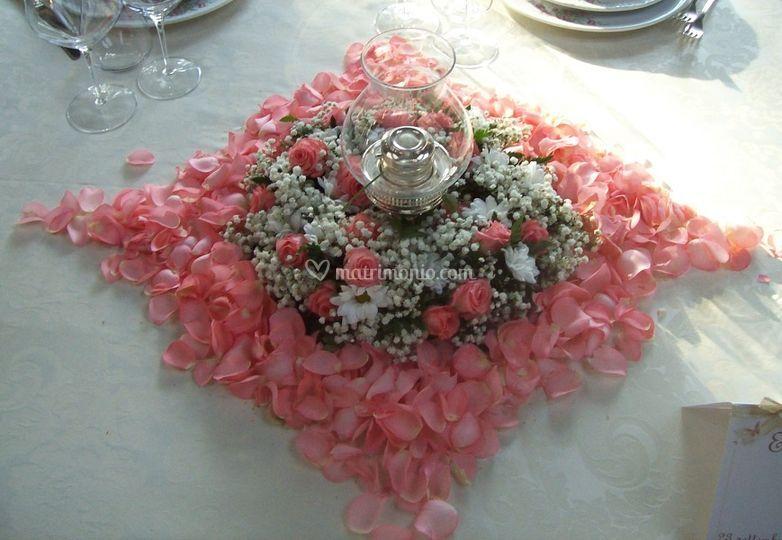 Tavolo sposi allestito