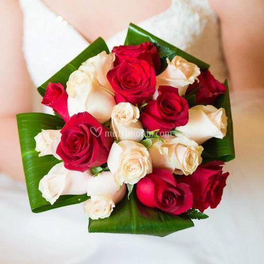 Bouquet con foglie ripiegate