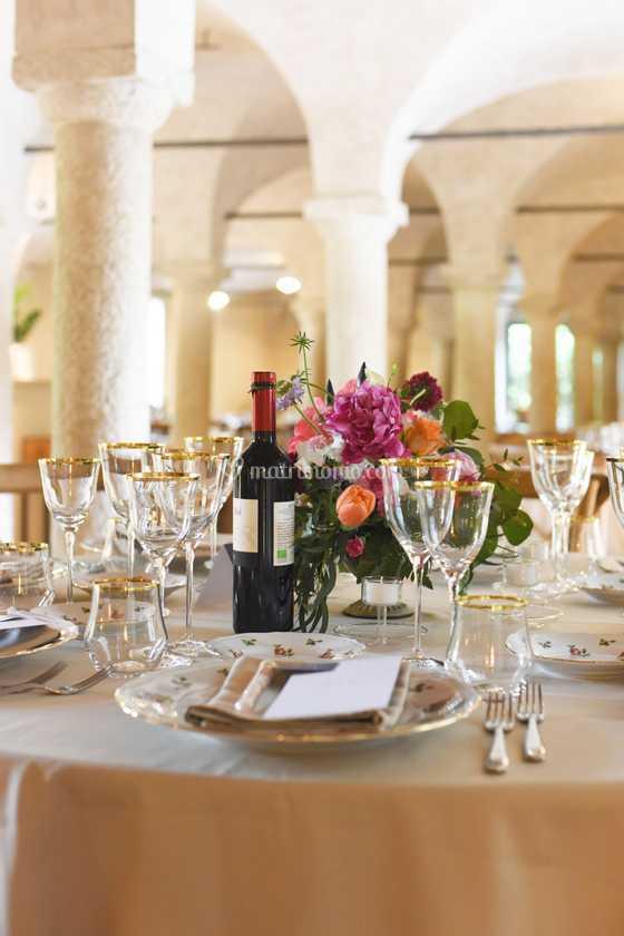 Tavolo tondo in sala colonne di La Cucina del Santellone ...