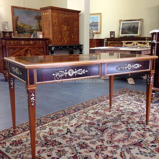 M i a mobili intarsiati artistici arredamento for Arredamento stile luigi xvi