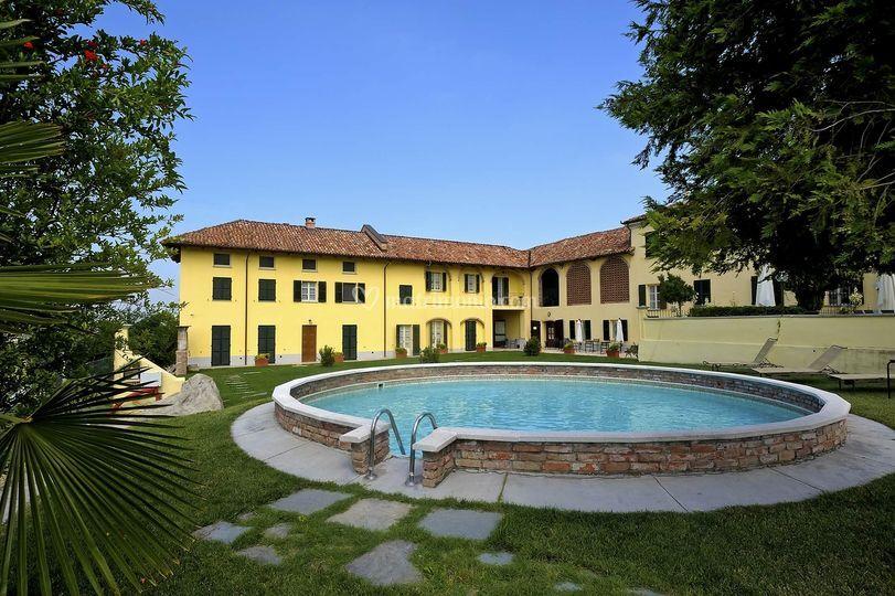 Podere la piazza - Agriturismo con piscina in piemonte ...