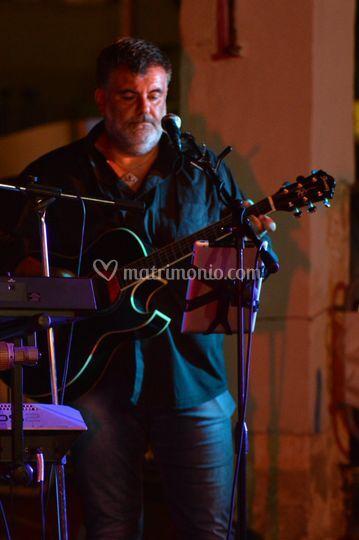 Davide - chitarra e voce