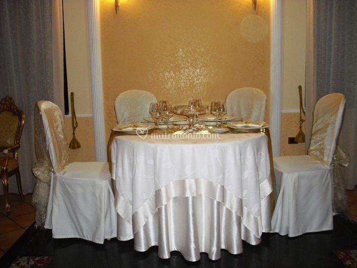 Tavolo d'onore oro