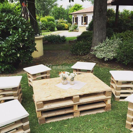 Sedute rustiche da giardino