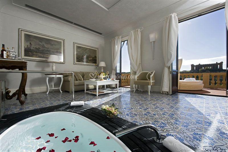 La jacuzzi dell villa suite