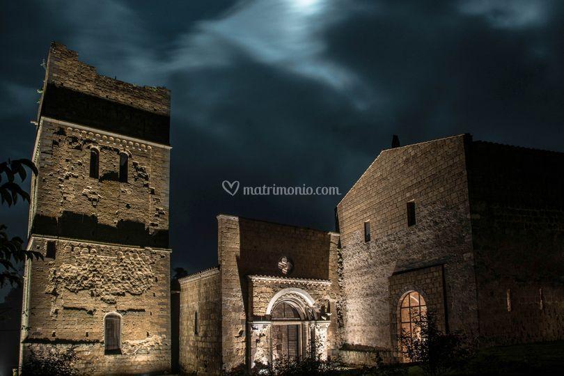 La chiesa, di notte