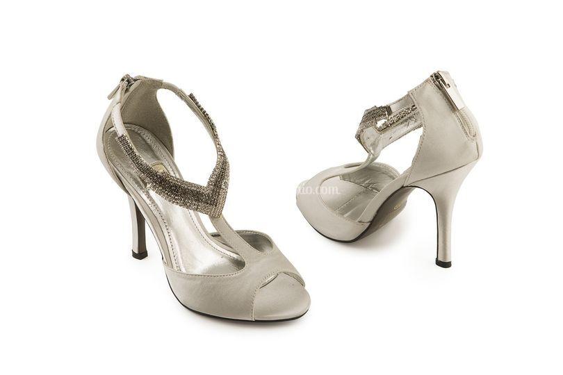 Sandalo gioiello grigio perla di 4 Passi Calzaveste  f8c992f94a5