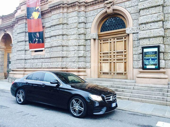 Wedding/executive car