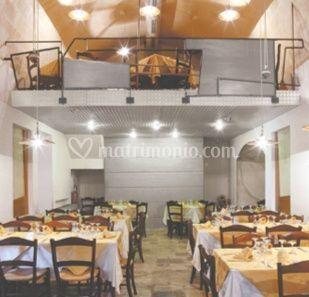 Interno del ristorante a due piani di stano ristorazione s for Piani di costruzione di stand del ristorante