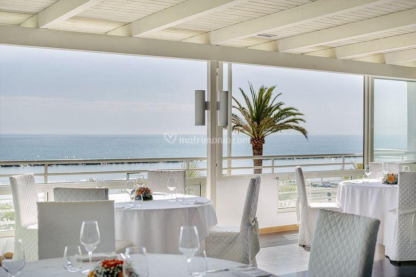 Matrimonio Spiaggia Grottammare : Matrimonio in spiaggia di attico sul mare foto