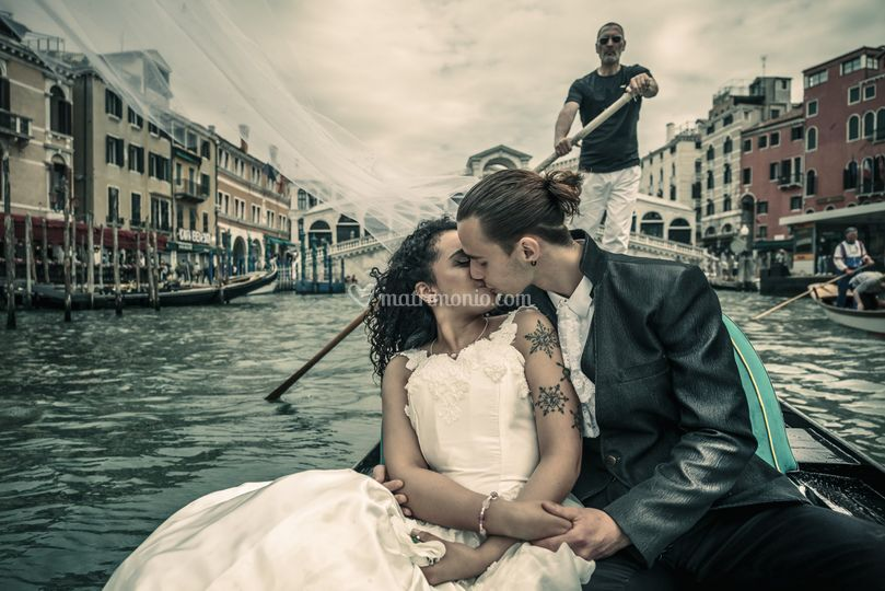 Andrea Finos wedding & portraits