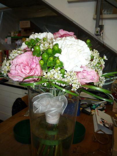 Bouquet rose iperico garofani