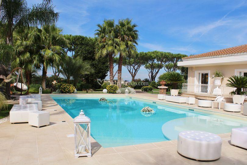 Zona lounge piscina