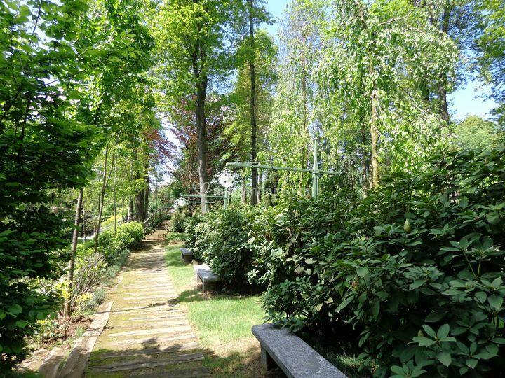 Vialetti nel verde in Brianza