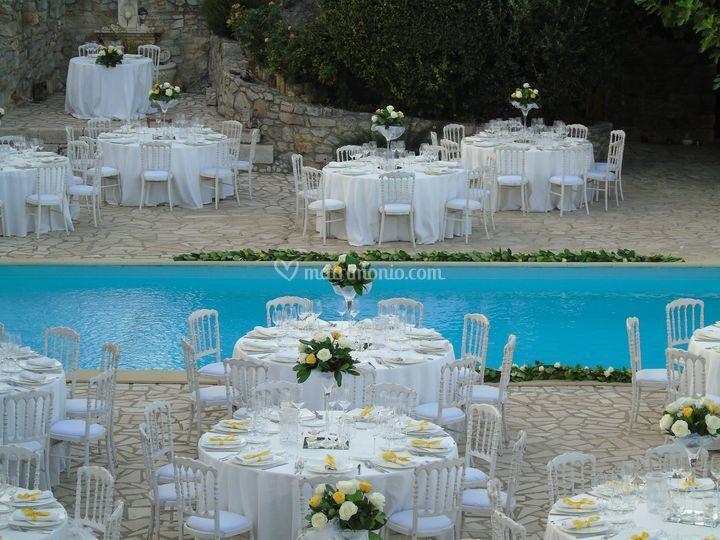 Elegante allestimento  piscina