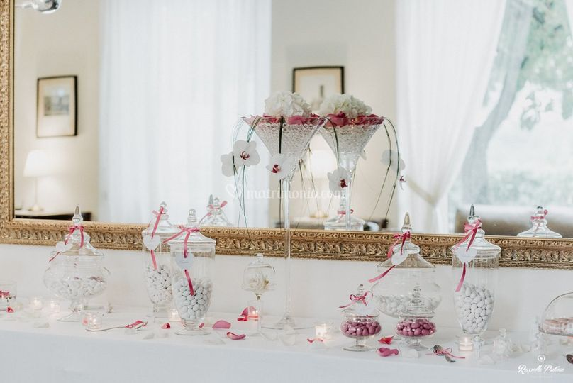 Sweet table in fucsia