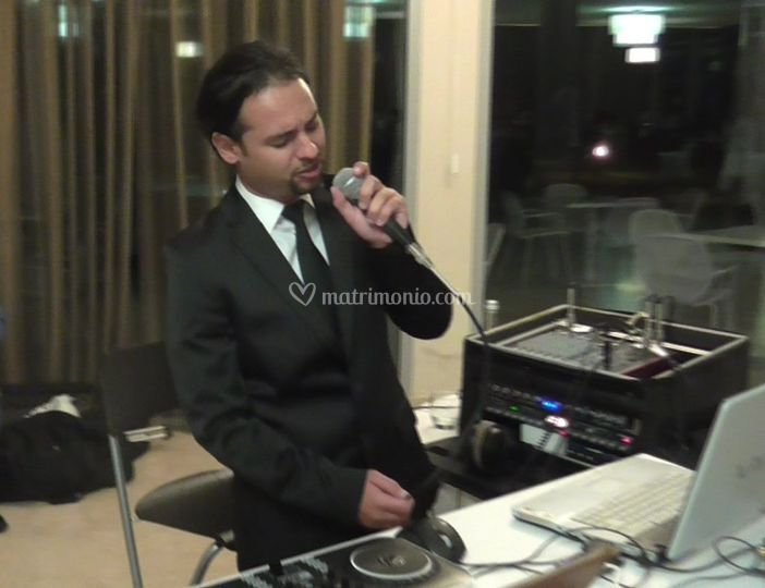 Live in Hotel Tower Plaza
