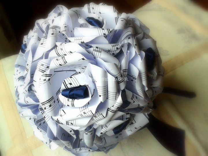 Bouquet carta musicale blu
