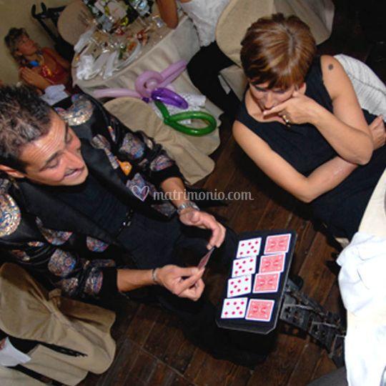 Spettacoli di magia ai tavoli
