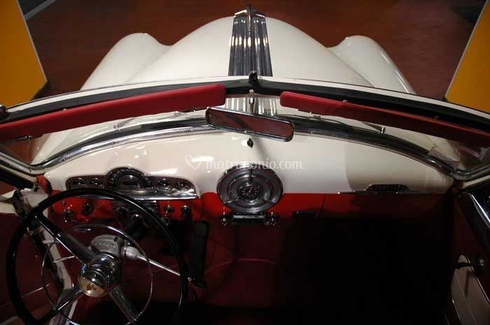2)  Mercedes SL Convertib