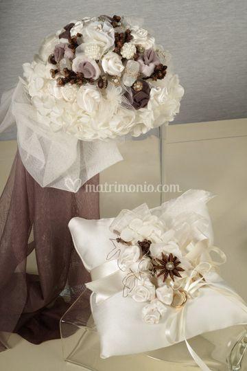 Bouquet e cuscino per anelli