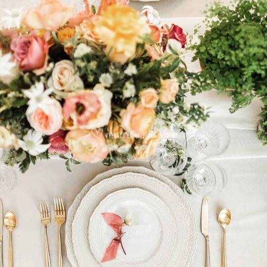 Allestimento tavolo floreale