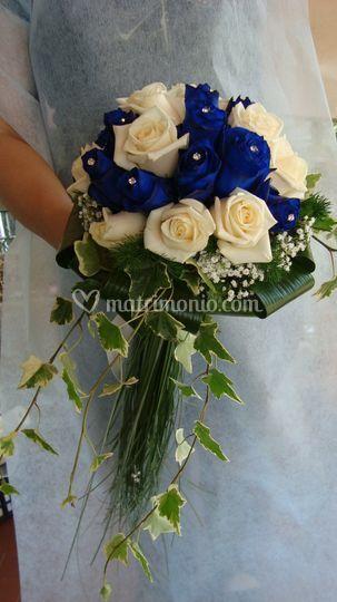 Rose blu e panna