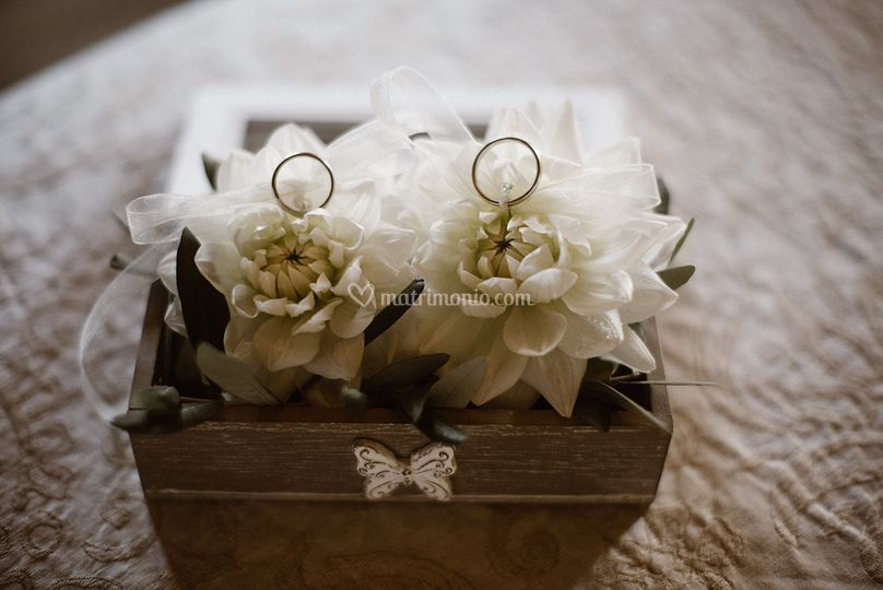 Portafedi floreale