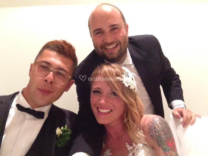 Il selfie con gli sposi