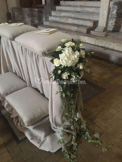 Decorazione banco sposi