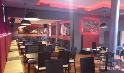 Breaklive Dinner Show & Cafè 1