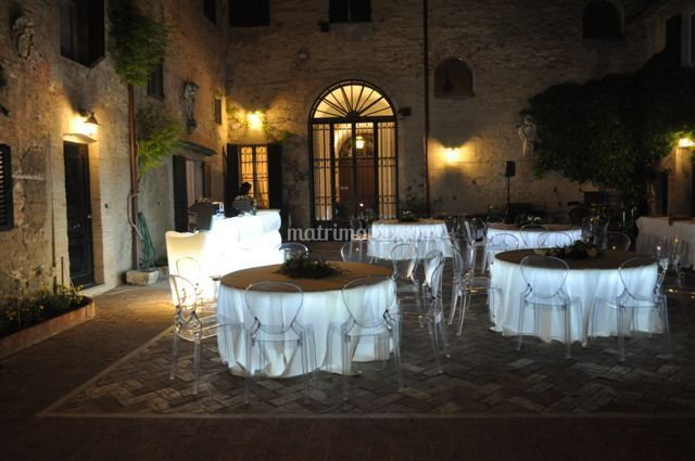 Noleggio centro italia for Arredi italia