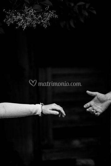 Tendimi la mano
