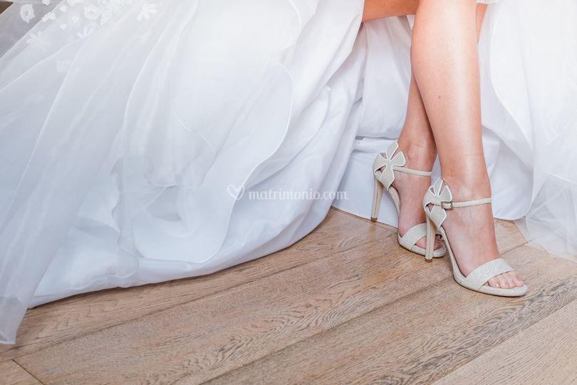 Sandalo con fiore iconico