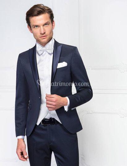 Arbiter vestiti da sposo