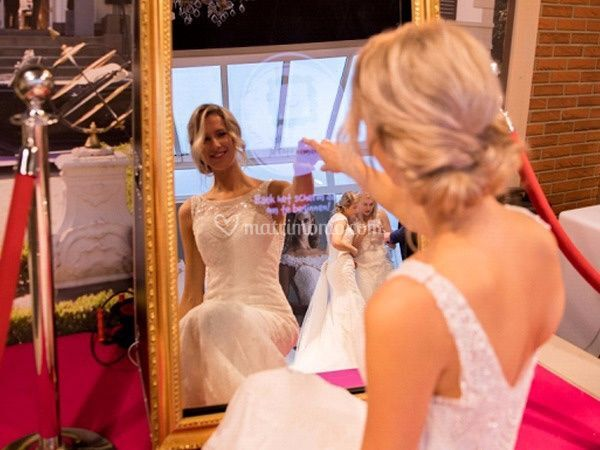 Sposa specchio social