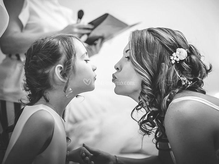 Preparazione sposa e figlia