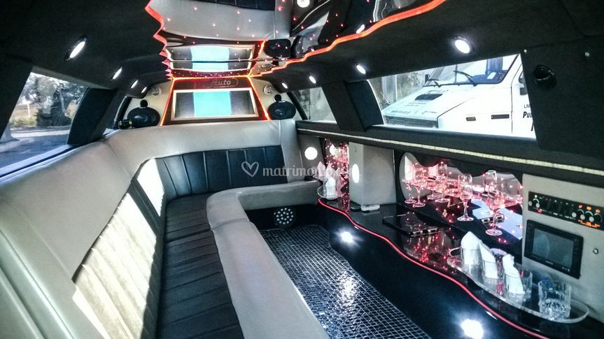 Interno limousine chrysler 300