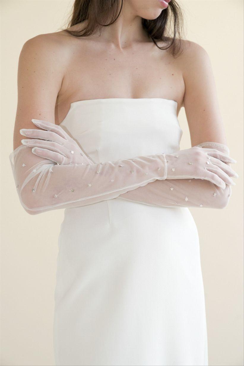 de39a923cfe0 4 consigli per indossare i guanti da sposa con stile