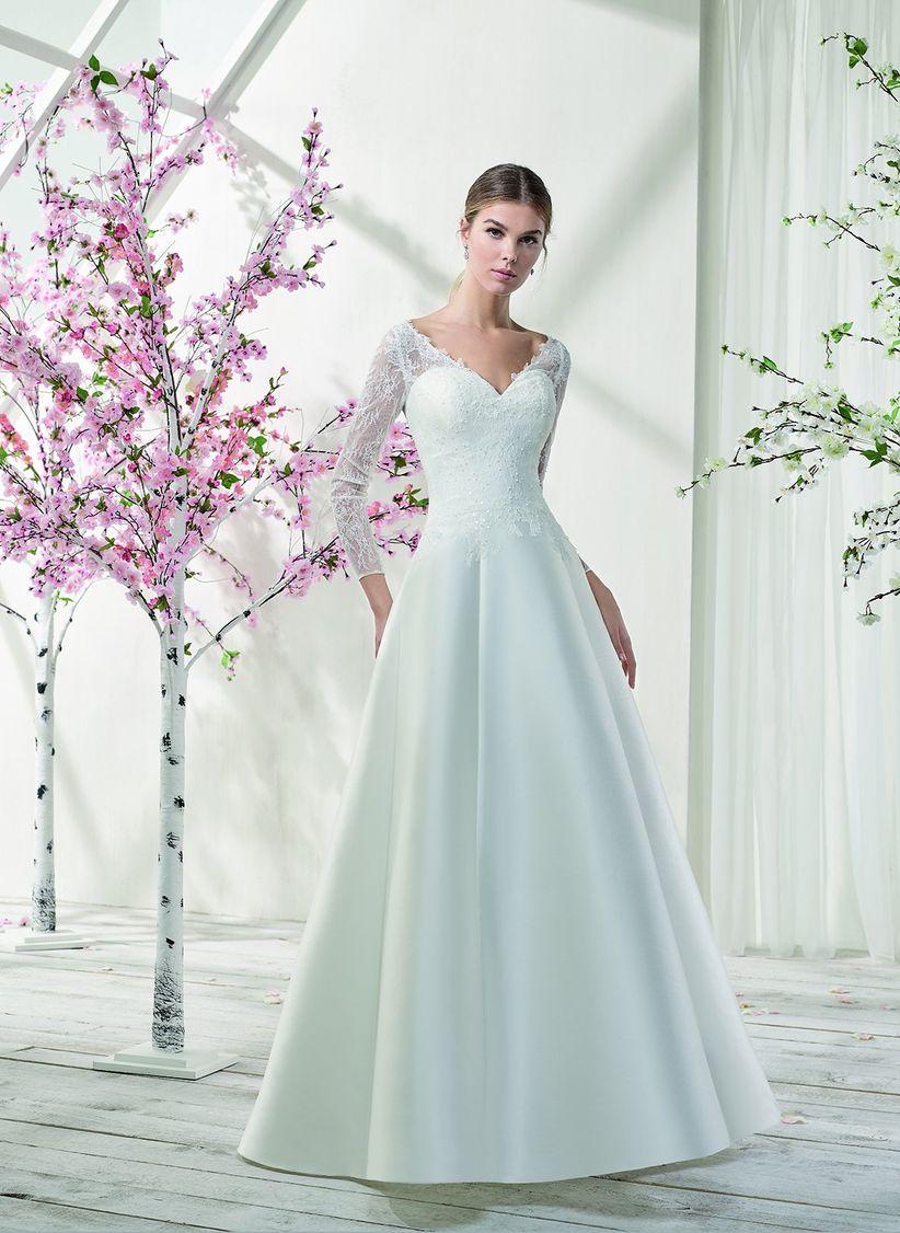 a9605b7e05ed 45 bellissimi abiti da sposa invernali  per risplendere nonostante ...