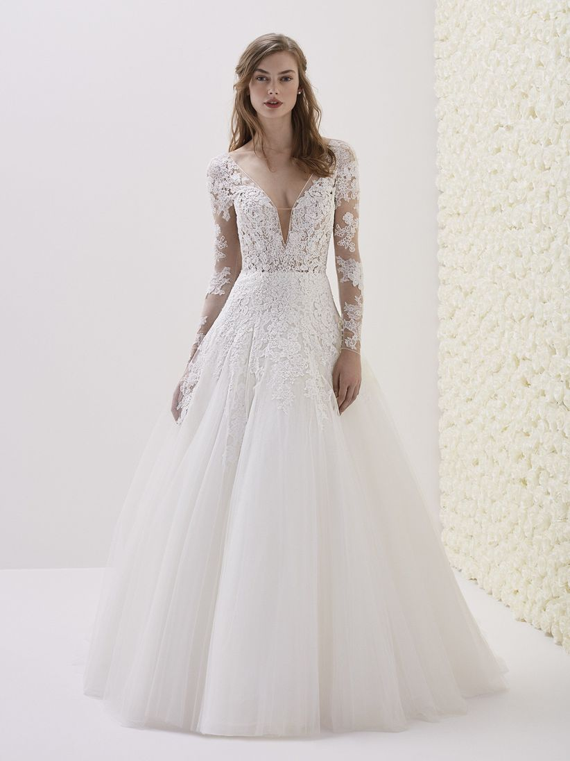55c78fce04e9 30 abiti da sposa in pizzo per stili diversi