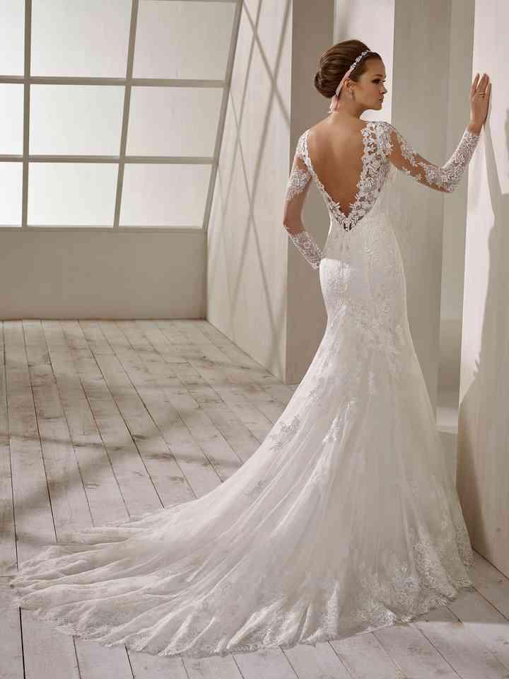 online store a27a0 a054a I 51 abiti da sposa in pizzo più belli per la stagione invernale