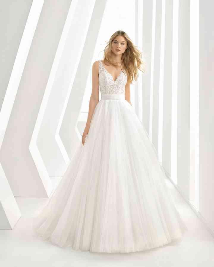 check out a1d9a 07be1 Abiti da sposa semplici: i 50 modelli più belli