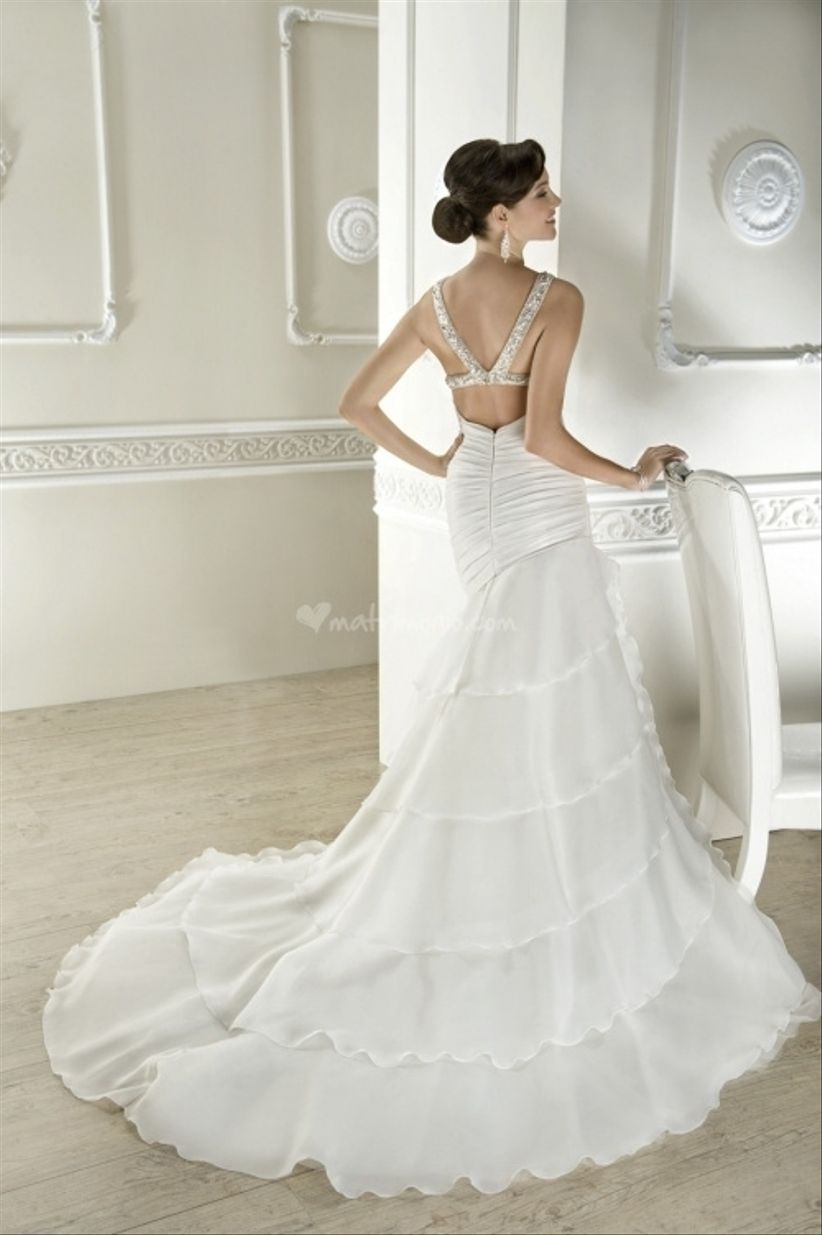 15 abiti da sposa audaci 2013 for Quanto costa 10000 piedi quadrati