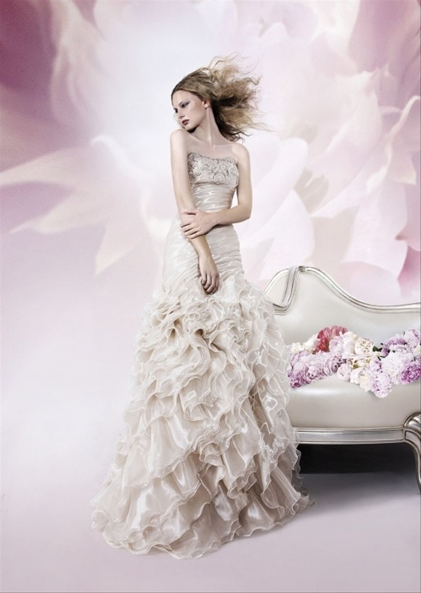 2c93b3c0b2d1 Qual è l accessorio top per la sposa che indossa un modello Pignatelli  Più  che accessorio parliamo di masterpiece della maison