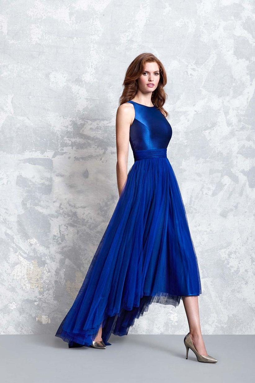 dc754018556a Colorate di blu il vostro look con questi 31 abiti per invitate di ...