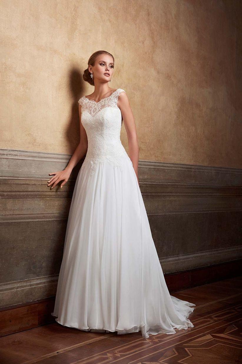 Vestiti da sposa per le più basse  35 proposte per slanciare la ... 66a6476d3f7