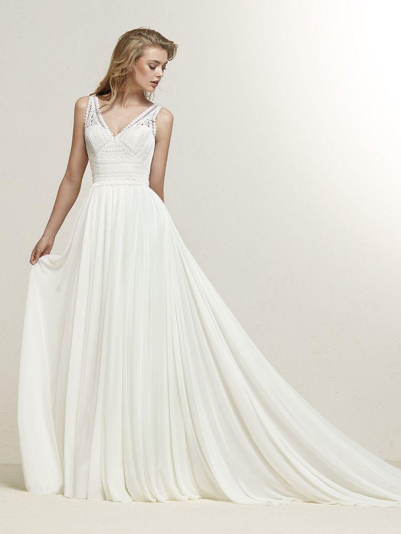 a692d04fff17 50 abiti da sposa in stile rendingote  una mise raffinata e sensuale