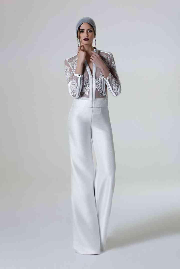 selezione migliore 6e47b 2cfd3 Abiti da sposa con pantaloni: uno strappo alla regola con un ...