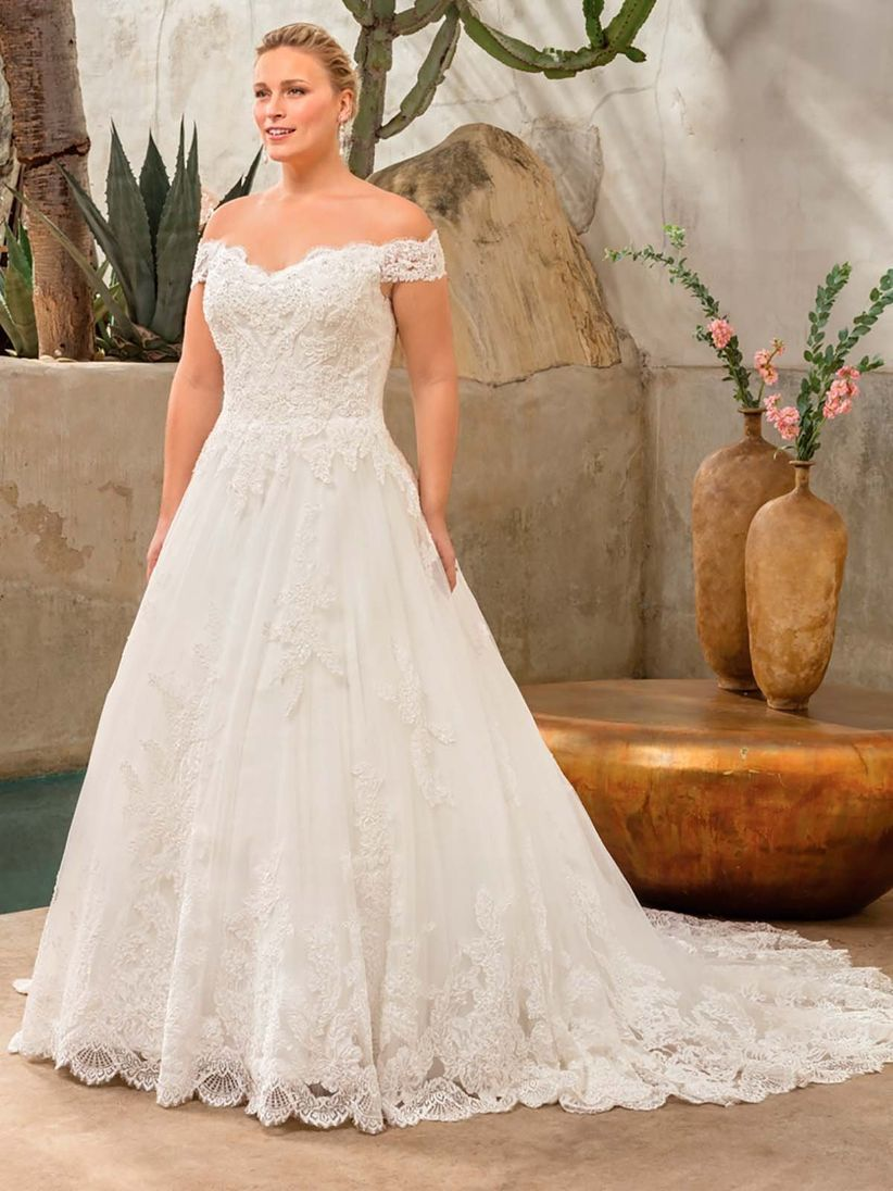 aeb08a9b4c11 32 abiti da sposa per taglie forti  scegliete il vostro total look ...